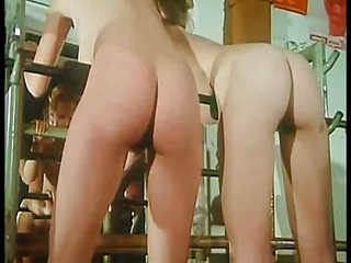 La pension de fesses nues - hot scenes